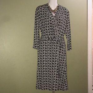 Liz Claiborne Black /white dress long sleeves sz L